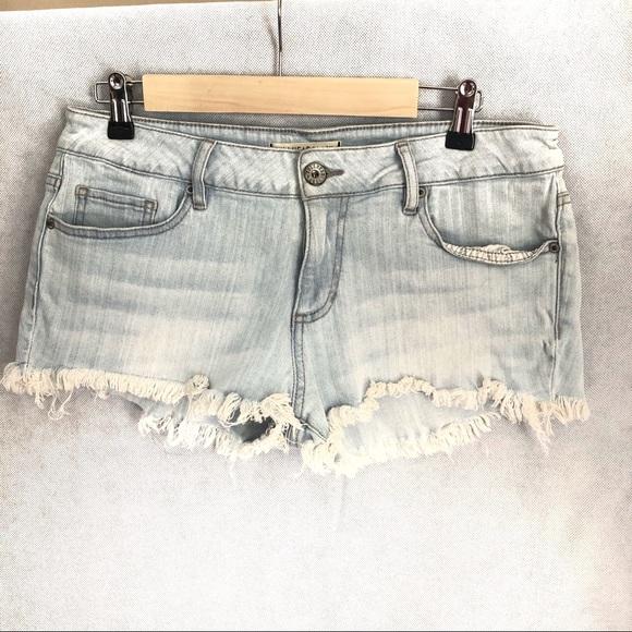 Bullhead Pants - Bullhead shorts light wash flayed hem pacsun